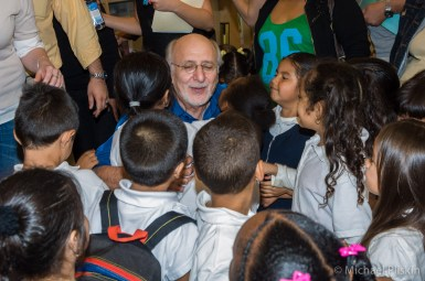 Peter Yarrow sings to Children at The Grove, L.A.