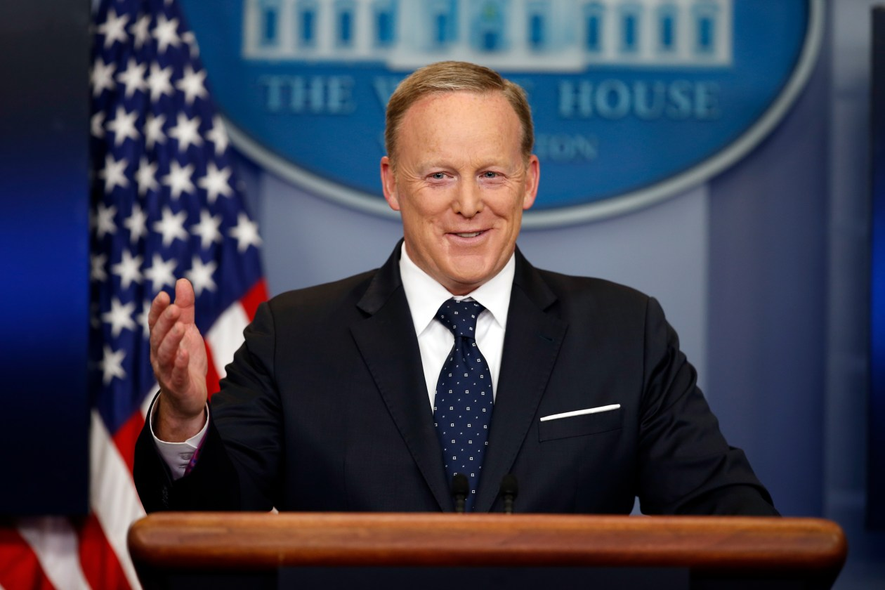 White House Briefings Should Resume, Says Trump's First Press Secretary