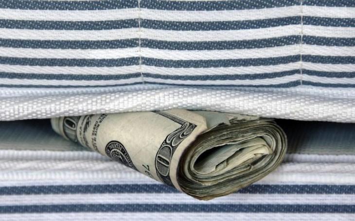 cash hidden in mattress