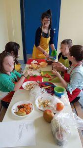 Cuisine à l'accueil de loisirs de Plonéour-Lanvern