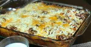 Cheap and Easy Casserole – Sausage Pizza Bubble Up Casserole