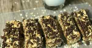 healthy homemade granola bars with chocolate