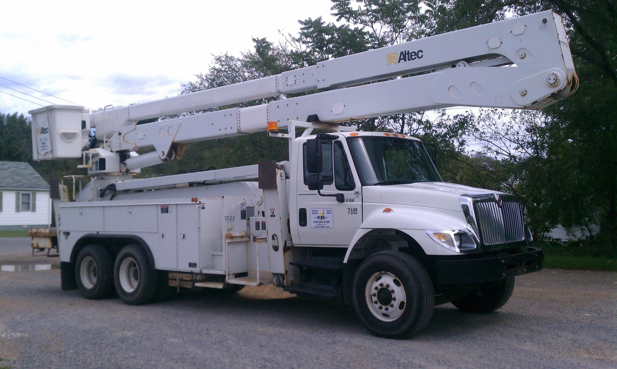 hight resolution of  altec model a77 te93 material handler s n 0106ct0902 max platform height 93 ft max working height 98 ft extendable f r p upper boom insulated