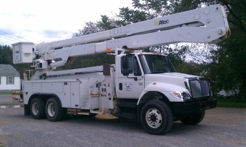 small resolution of  altec model a77 te93 material handler s n 0106ct0902 max platform height 93 ft max working height 98 ft extendable f r p upper boom insulated