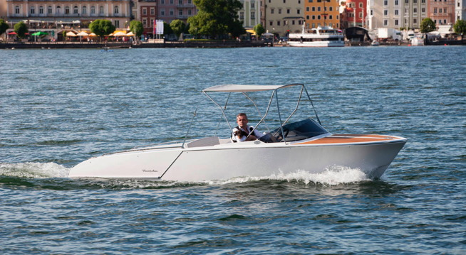 Electric boat from Frauscher