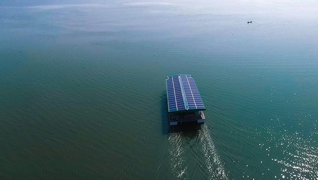 Solar Electric ferry by Navaltboats