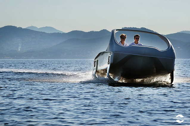 SeaBubble electric hydrofoiling boat