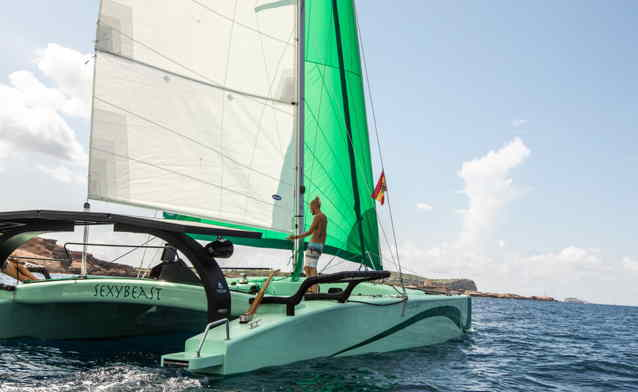 Solar catamarn with sails