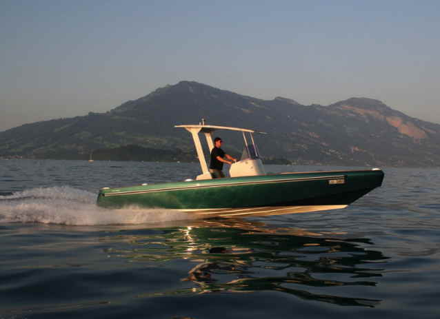 electric boat form Ruckmarine in California