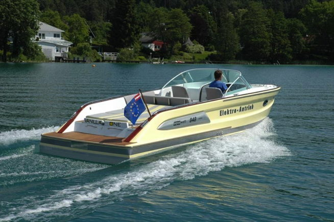 Aquawatt electric boat