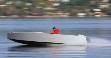 New high performance electric runabout goes 30 knots