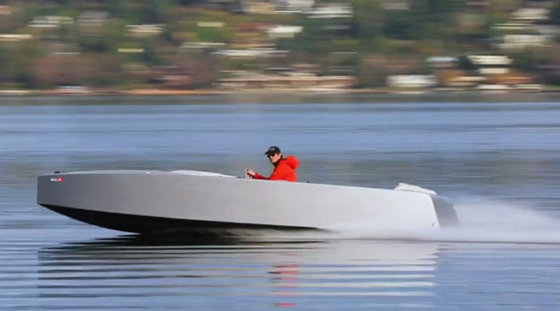high performance electric runabout speeds along with one man driving