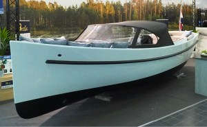 Besla 715 electric boat