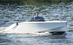 Frauscher Mirage Air 747 electric boat