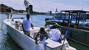 Electric boat regatta competitor