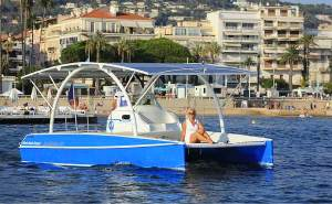 solar electric boat with solar panels