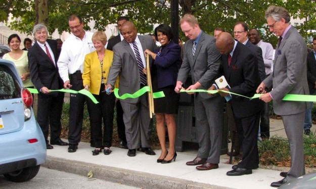 Baltimore Mayor Stephanie Rawlings-Blake and other officials at ribbon cutting ceremony on Sept. 27, 2013