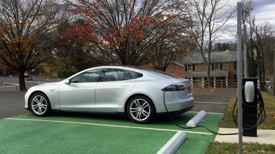 Two Tesla destination charging stations in Warrenton, VA