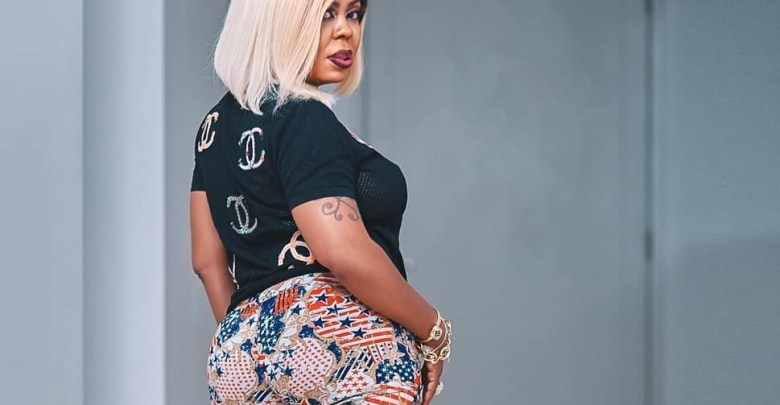 Afia Schwarzenegger poses for the cam in her erstwhile house