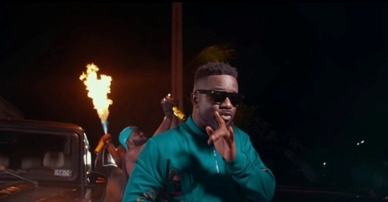 Sarkodie black love virtual concert in 'Oofeetso' music video