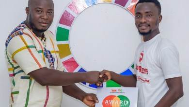 Founding-Editor of PlugTimes.com Yaw Sarpong receiving the citation