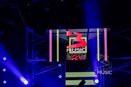 watch live 3 music awards streaming