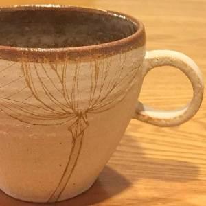 信楽焼大谷桃子さんのマグカップ