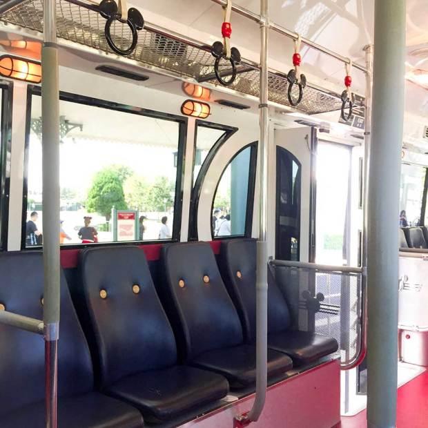アンバサダーホテル送迎バスの車内が可愛い