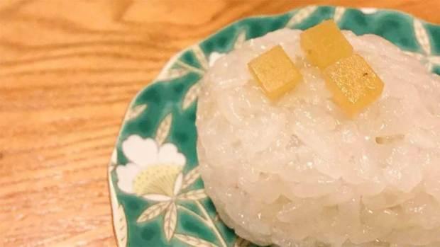 赤福毎月1日限定和菓子の朔日餅の10月の栗餅