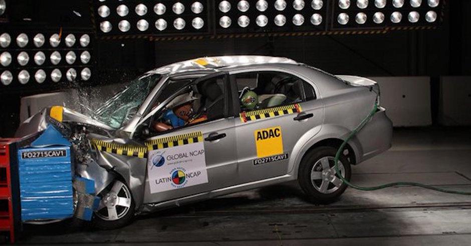 Aveo: un coche muy inseguro sin frenos ABS.