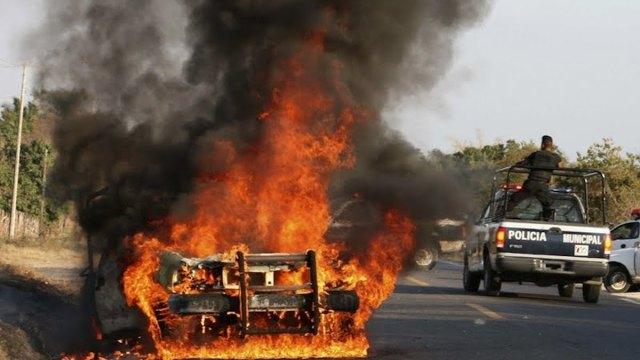 auto, incendio, auto incendiado, fuego, estados, violencia, violencia estados