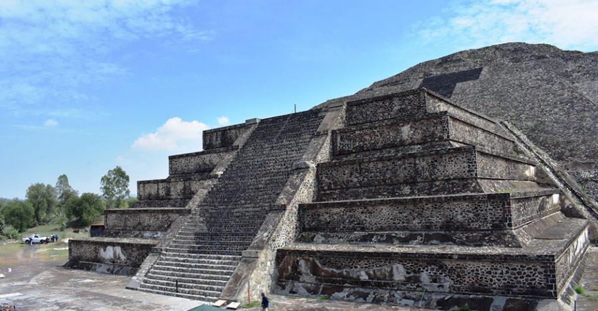 teotihucan, pirámide, pirámide de la luna, arqueología, túnel pirámide