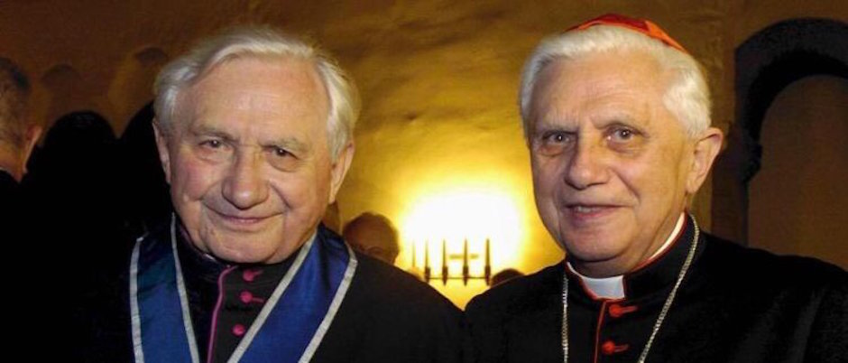 Georg Ratzinger implciado en casos de abuso infantil.