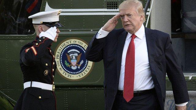 Trump anda calderoneando: envía tropas a Afganistán por baja popularidad
