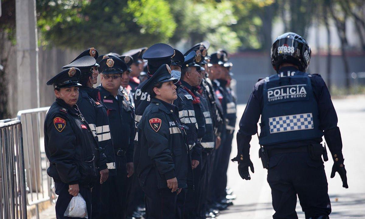 Policías de sector tacubaya denuncian abusos