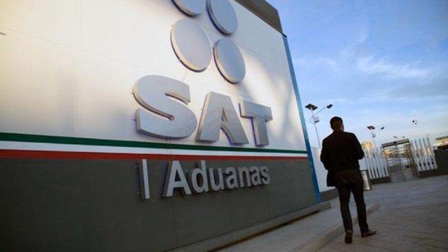 SAT desmantela red de corrupción en aduanas