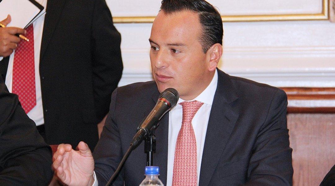 delegado de Cuajimalpa cierra locales de comerciantes opositores