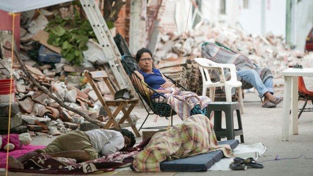 juchitán, damnificados, pobladores en la calle