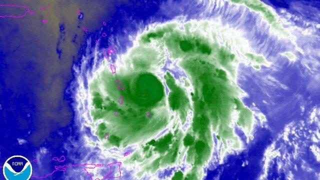 María se acerca al Caribe destrozado por Irma