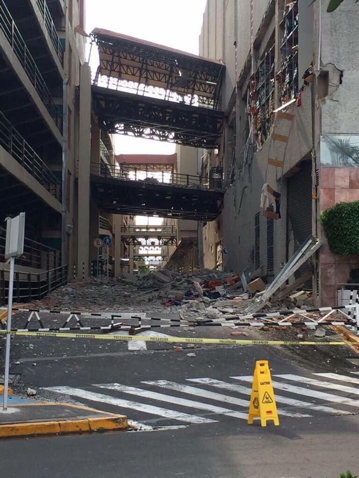 Galerías Coapa y buena parte de la zona con daños graves
