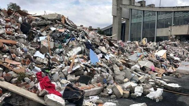 escombros alberca olímpica, escombros, sismo, terremoto, basura