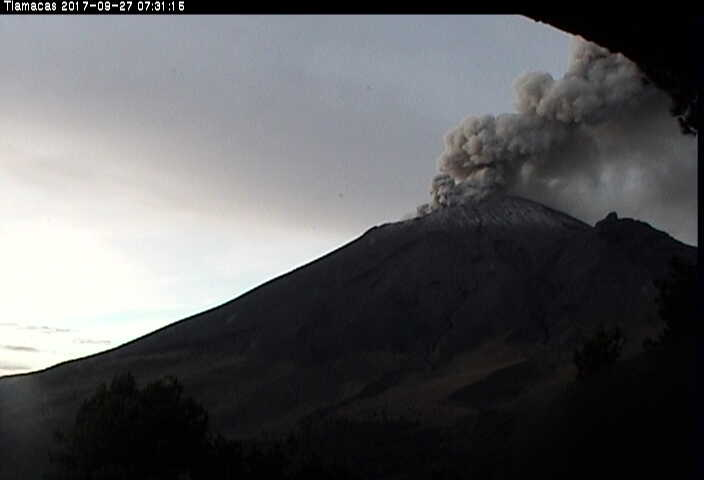 Popocatépetl registra actividad intensa en la madrugada