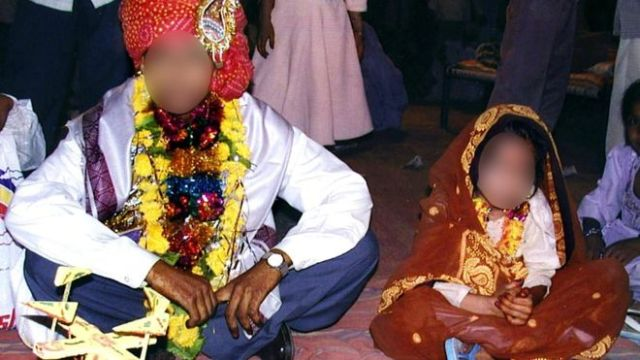 Corte en India declara violación las relaciones en matrimonio infantil