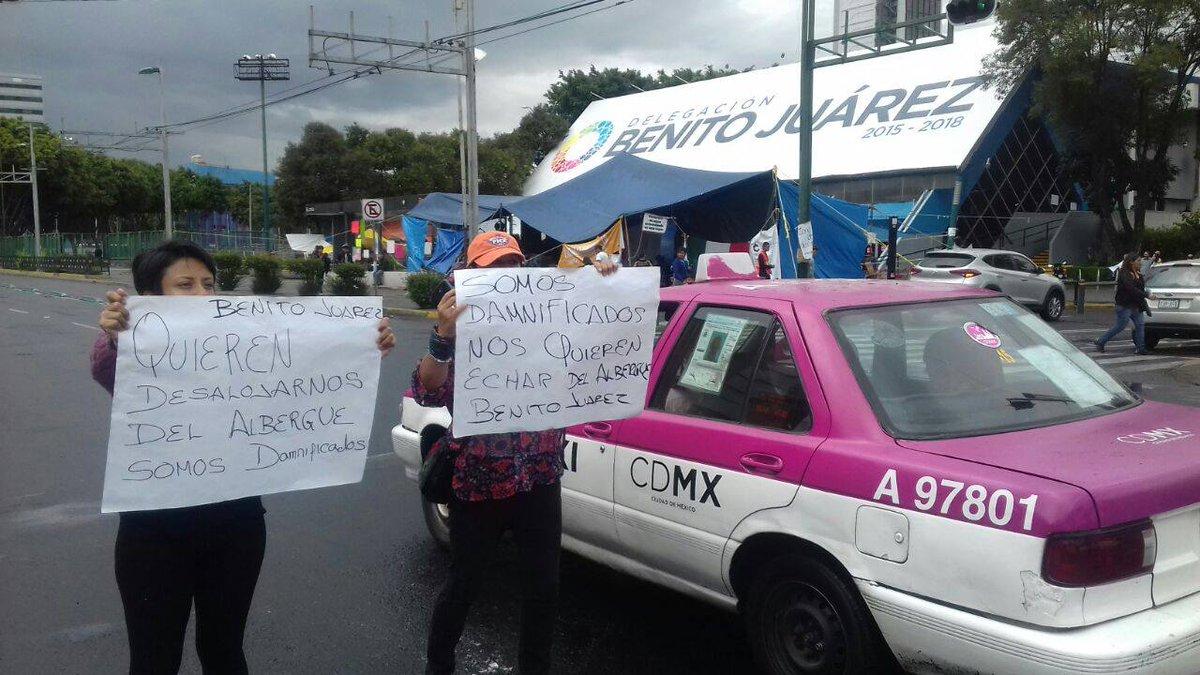 desalojan damnificados albergue deportivo Benito Juárez