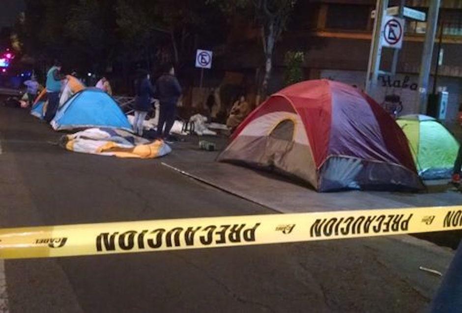 manifestantes bloquean bucareli en segob