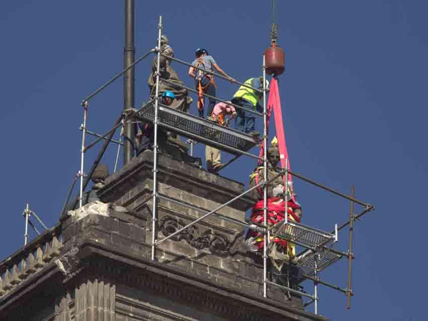 Obras para descender la Caridad de la Catedral metropolitana