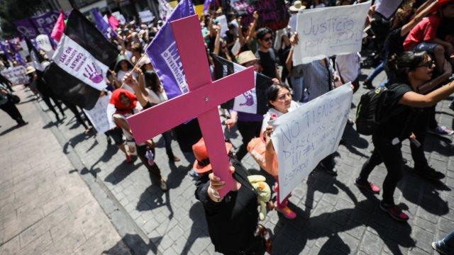 marcha día internacional eliminación de violencia contra la mujer