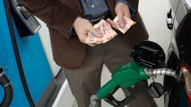 la CRE determinó que en noviembre iba a implementar liberalización gasolina