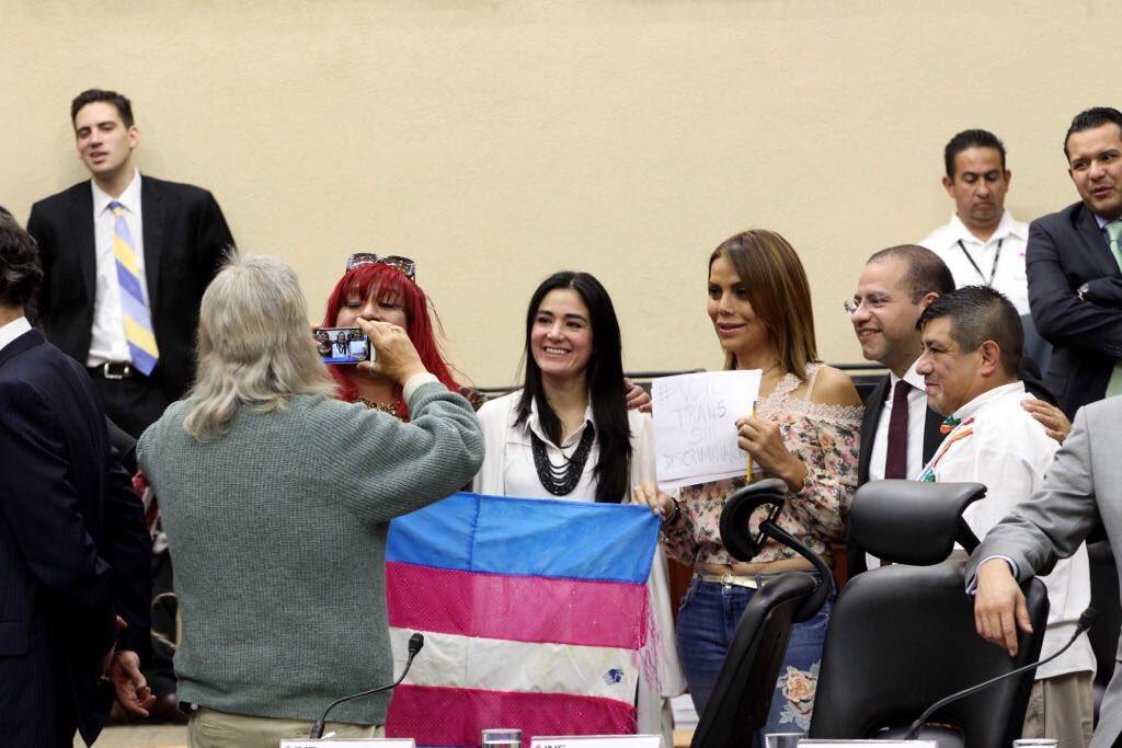 INE garantiza voto de personas trans
