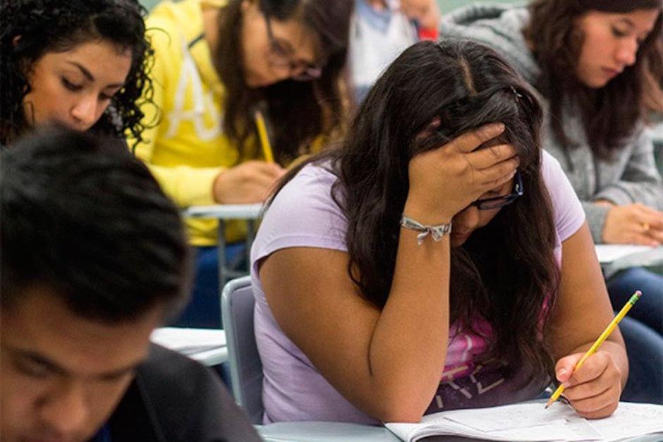 INEE revela que 700 mil jóvenes abandonan bachillerato al año